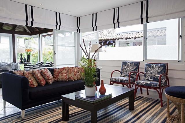 Римська штора у вітальні