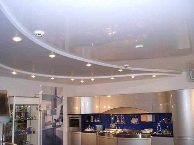 Многоуровневые глянцевые натяжные потолки