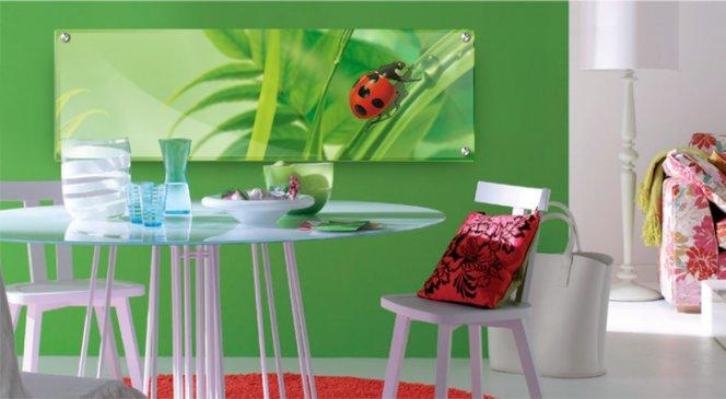 Использование в интерьере картин на стекле
