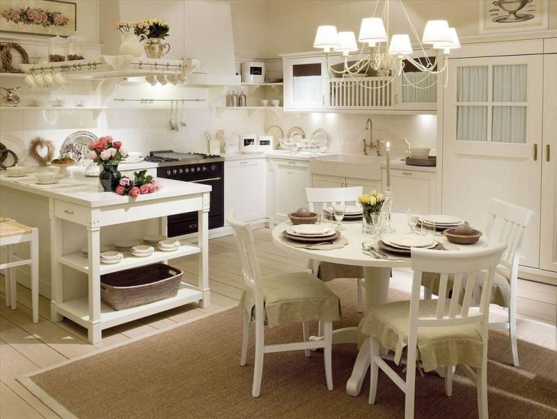 Стол для маленькой кухни в стиле прованс