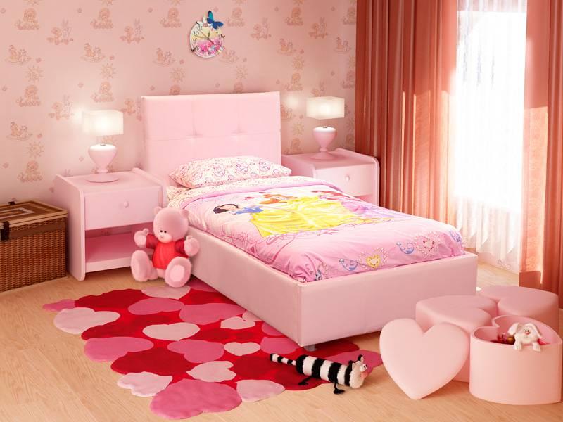 Кровать с мягким изголовьем в детской