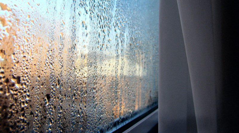 Що робити, щоб пластикові вікна не запітніли?