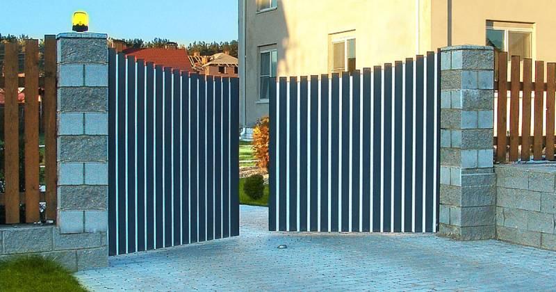 Какие виды автоматических ворот можно установить на даче?