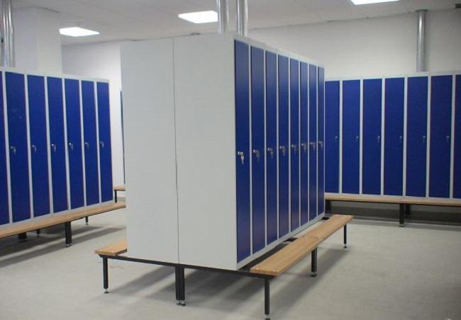 Места для установки металлических шкафов для одежды
