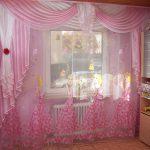 Які вибрати штори в дитячу кімнату для дівчинки