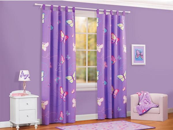 Небажаними квітами для штор в спальню дівчинки є наступні: червоний з усіма його відтінками, фіолетовий, чорний, сірий, синій
