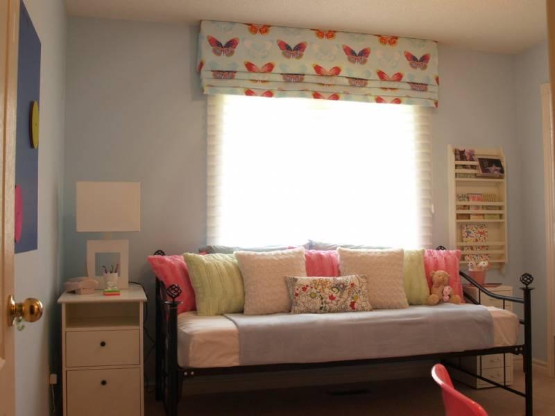 Римські штори в дитячу кімнату для дівчинки
