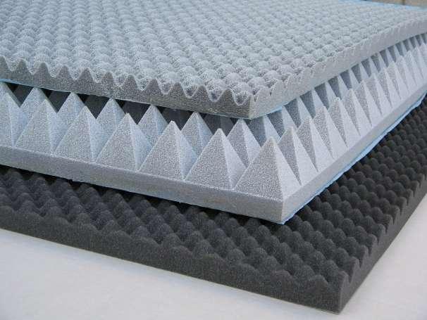 Акустический поролон имеет универсальное применение и представляет собой звукопоглощающий материал на основе пенополиуретана, с несколькими видами поверхности: плоской, спиралеобразной или с пирамидной текстурой