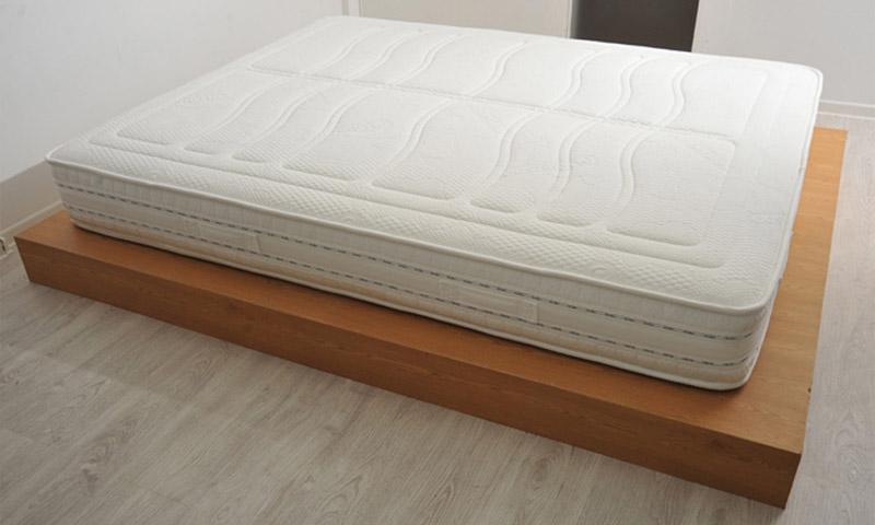 Как выбрать двуспальный ортопедический матрас для кровати