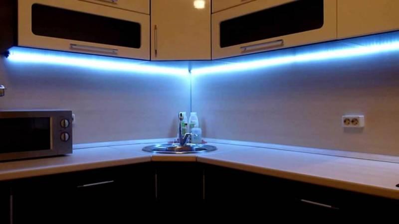 Оформление кухни при помощи светодиодных лент