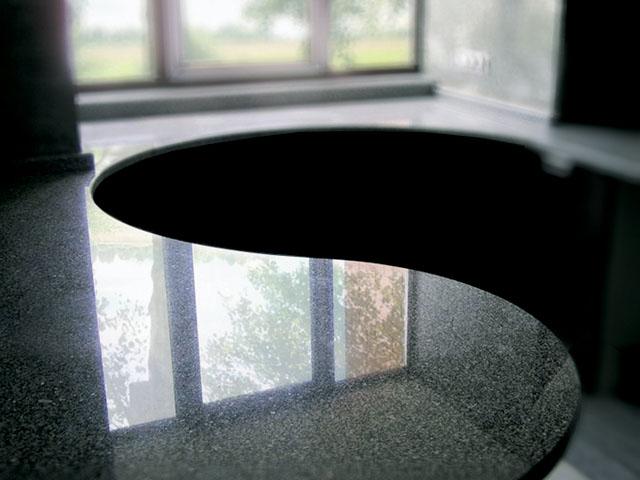 гранитные столешницы для кухни закругленная