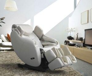 Дизайн масажних крісел доволі різноманітний, у кожного виробника свій стиль: розкішний, оригінальний, діловий, лаконічний, демократичний.