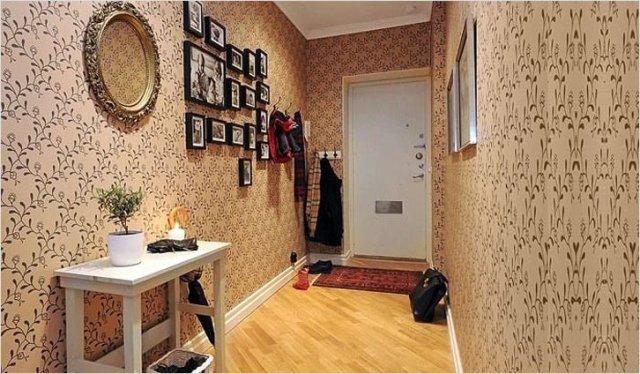 Обои для прихожей или коридора в квартире