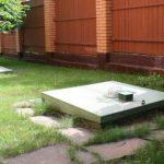 Выгребная яма на территории частного дома