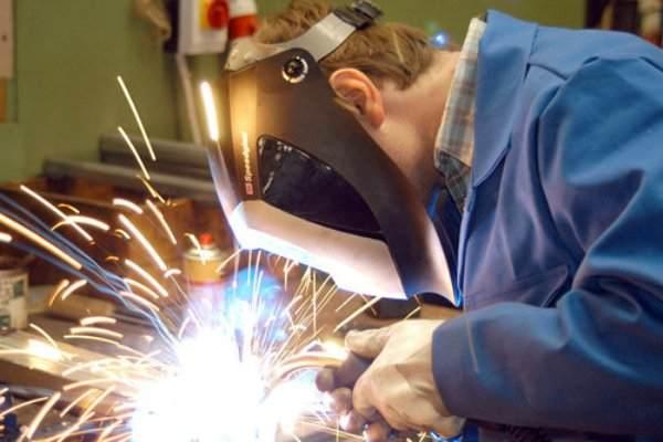 Какие средства защиты должны использоваться при сварочных работах