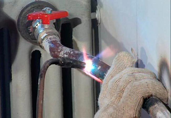 Какое оборудование необходимо для проведения газовой сварки