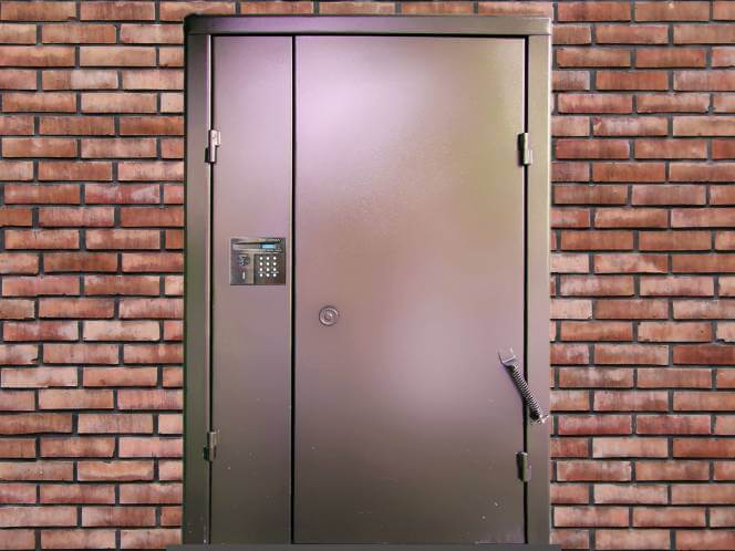 Выбираем дверь в подъезд