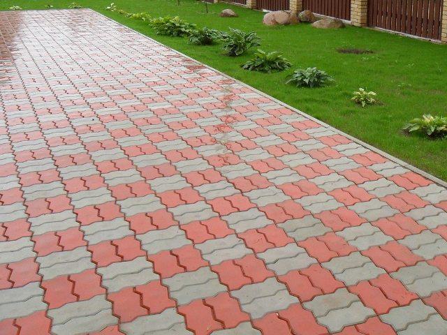 Какой плиткой лучше замостить садовые дорожки