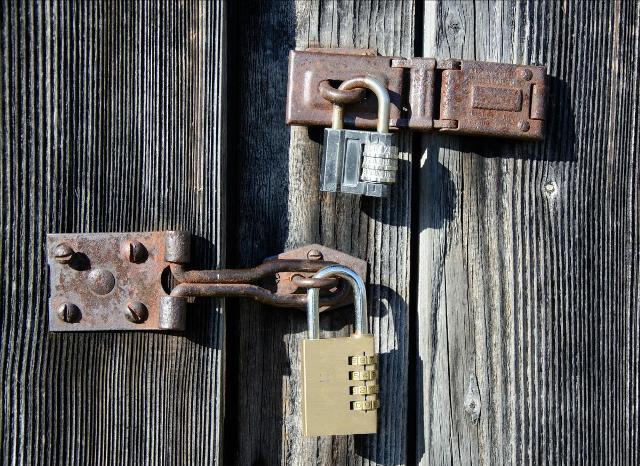 Практичні поради щодо захисту дачі від злодіїв
