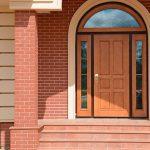 Вибираємо вуличні двері у приватний будинок – що поставити на вході