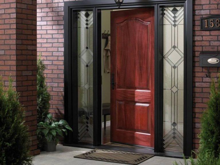 Стандартна висота полотна вхідних дверей – 200 см