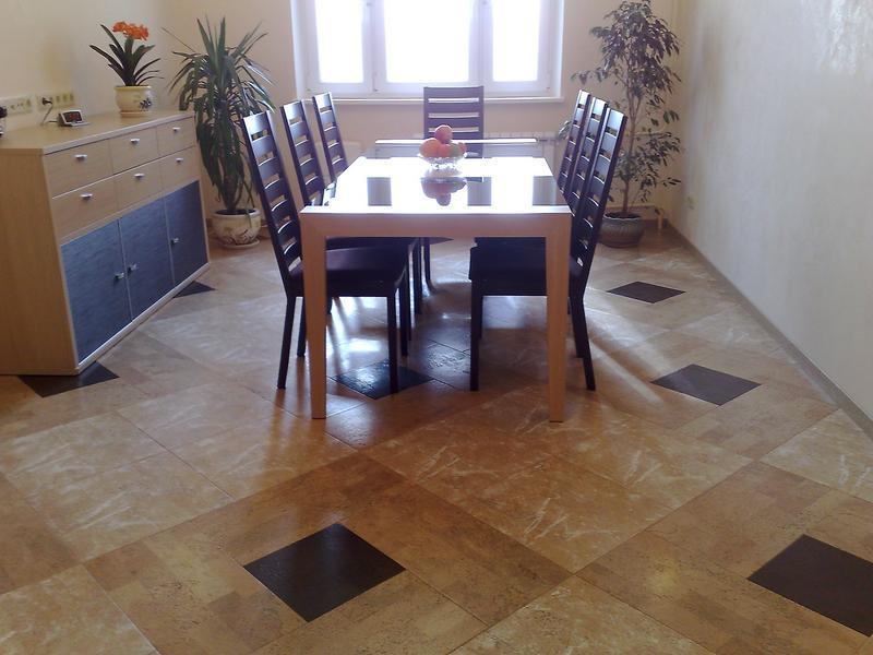 Кухонный керамический пол