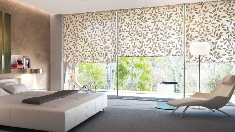 Что выбрать для спальни: шторы, жалюзи или ролеты