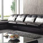 Кожаный диван: его преимущества