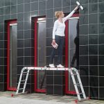 Шарнирные лестницы: особенности конструкции