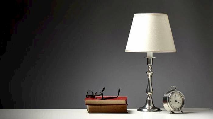 Настольные лампы: разновидности