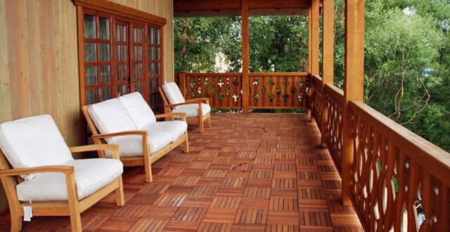 Чим пофарбувати дерев'яну підлогу на відкритій веранді