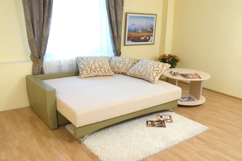 Как выбрать диван со спальным местом в маленькую комнату